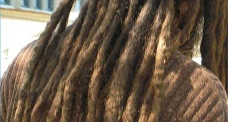 Os cabelos cacheados são os melhores tipos de cabelos para o crescimento de dreads