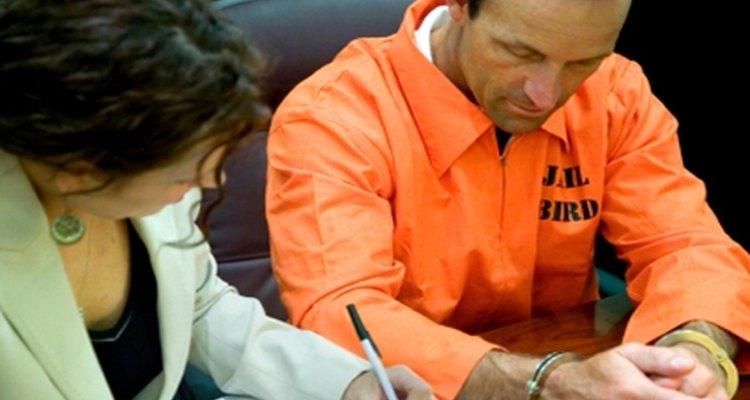 É uma boa alternativa escrever seu testemunho antes de comparecer à corte