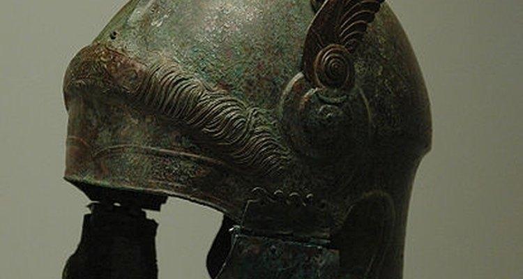 Os capacetes dos oficiais romanos eram mais bonitos do que os utilizados pelos centuriões