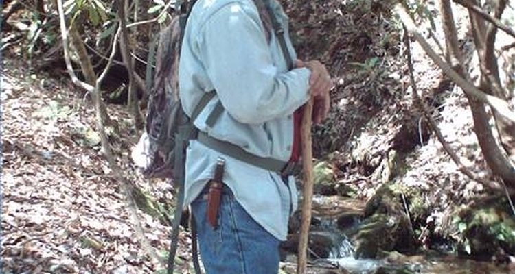 As bengalas podem ser muito úteis em longas caminhadas