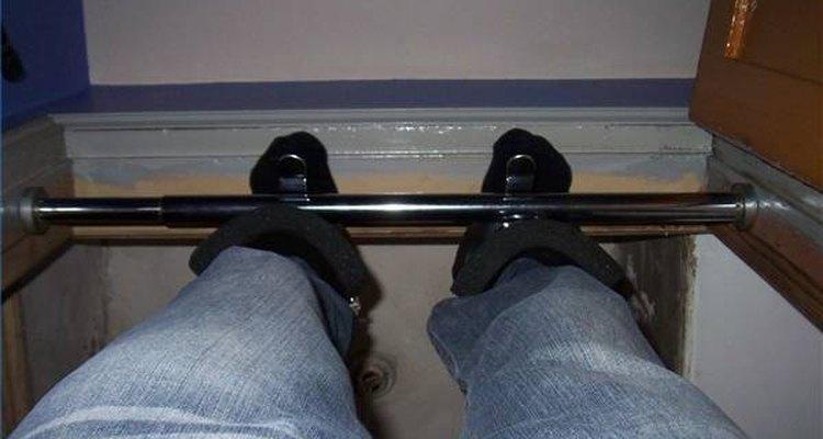 Botas de gravidade são usadas nos pés e anexadas a um suporte geralmente colocado no teto