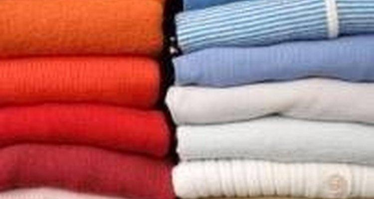 Não se preocupe, nesse artigo você aprenderá como retirar cola PVC das suas roupas
