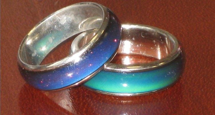 Cuando fueron creados los anillos del humor, rápidamente se convirtieron en una moda y un símbolo icónico de la década del 70.