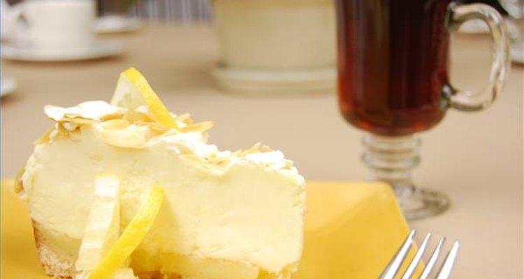 Más allá de lo bien que se haya preparado el pastel, generalmente se descompone en un día o dos.