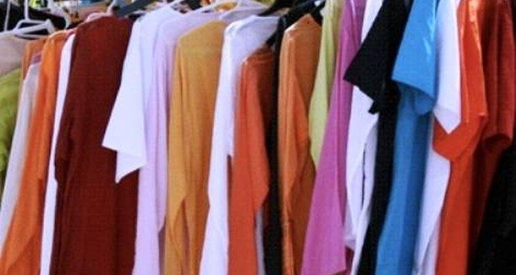 Elimina olores en la ropa con remedios caseros.