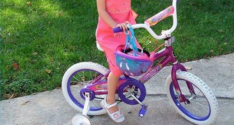 Las bicicletas son perfectas para ejercitar y entretener a los niños.