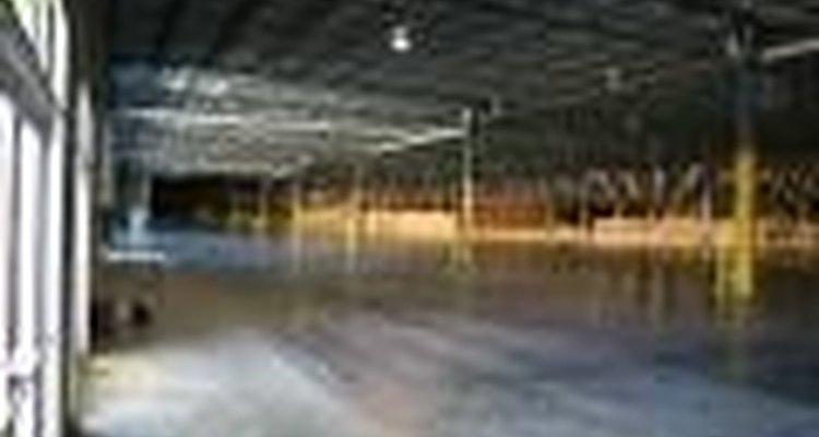 Un piso de concreto se puede deteriorar si no se lo cuida adecuadamente.
