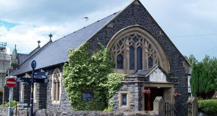 É possível ver o fantasma de estilos originais nas igrejas modernas