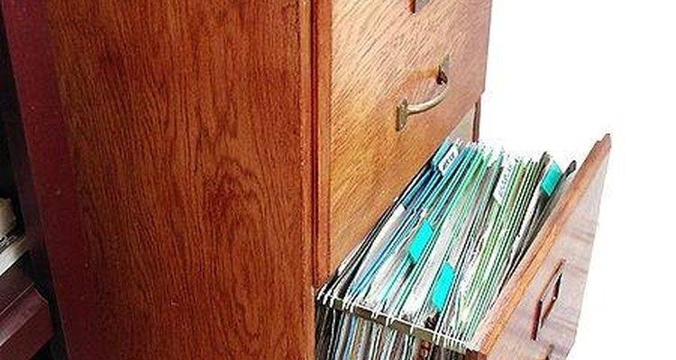Asegura tus documentos cambiando la cerradura de tu archivador.