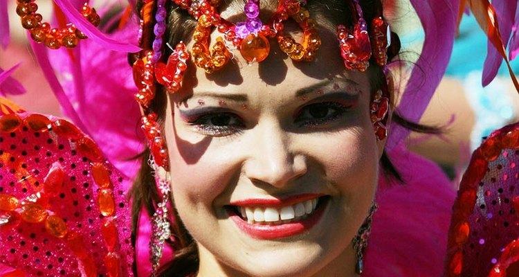 La samba inspira algunos de los atuendos más elaborados.