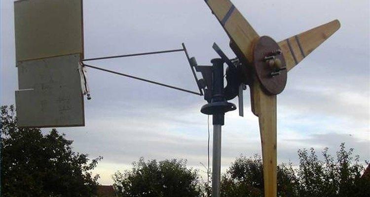 Use um alternador para fazer uma turbina de energia eólica