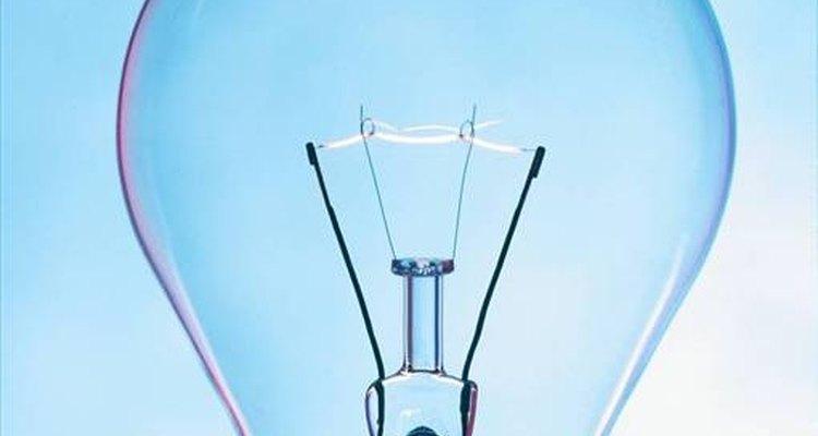 Thomas Edison inventou a primeira lâmpada caseira