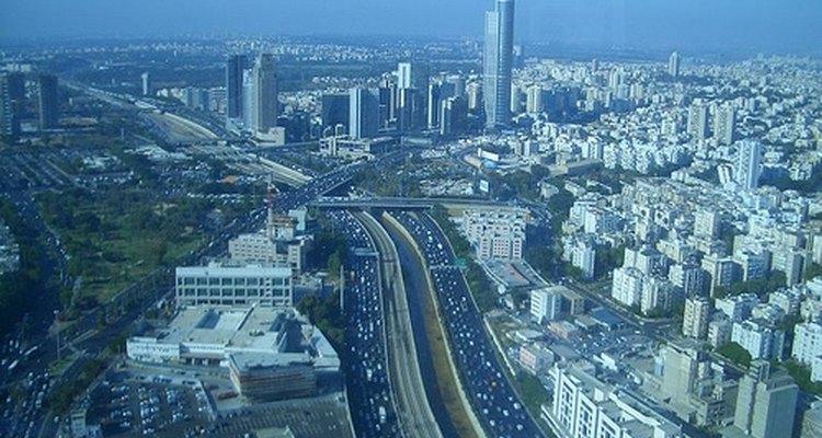 Tel Aviv, que abriga mais de 390 mil habitantes