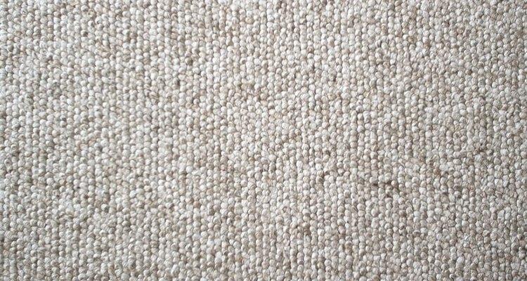 Remover manchas de suco do tapete é mais fácil do que você possa imaginar