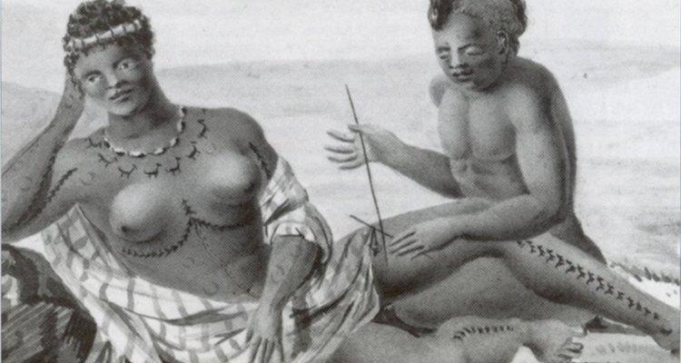 Los tatuajes hawaianos tenían un significado espiritual y social para los antiguos hawaianos.