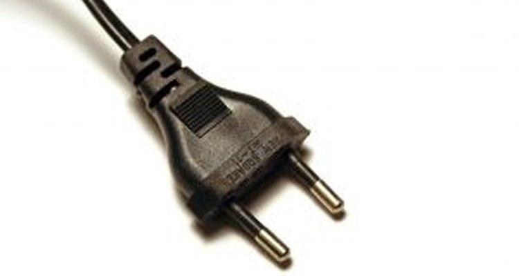 Para o aquecedor à base de eletricidade funcionar, é preciso ligá-lo em uma fonte de energia adequada