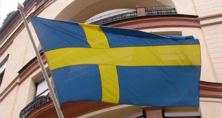 La bandera sueca, una de las banderas más antiguas del mundo, es radiante y fácilmente reconocible.
