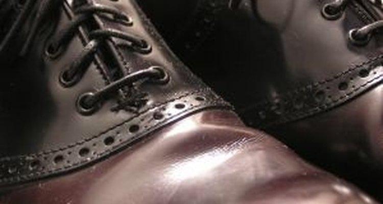 O tamanho da marca da sola de um sapato pode indicar a altura aproximada de uma pessoa -- algo muito útil para a perícia forense