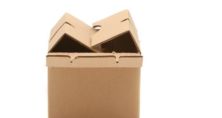 Embala la plancha en una caja resistente para el envío a un centro de servicio Rowenta.