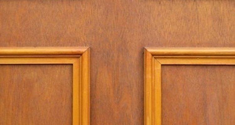 Un panel para puerta plano servirá como decoración.