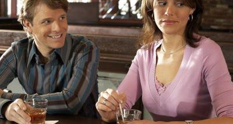Acercarte a una chica con la que nunca has hablado antes puede ser excitante y angustioso.