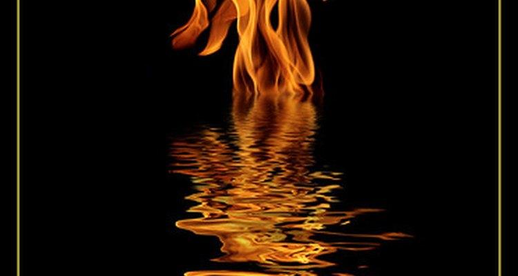 Os fogachos fazem a mulher sentir como se estivesse queimando
