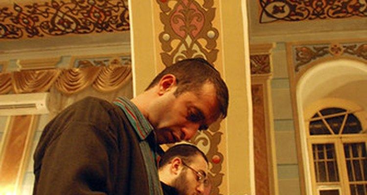 Judíos rezando en Yom Kippur.
