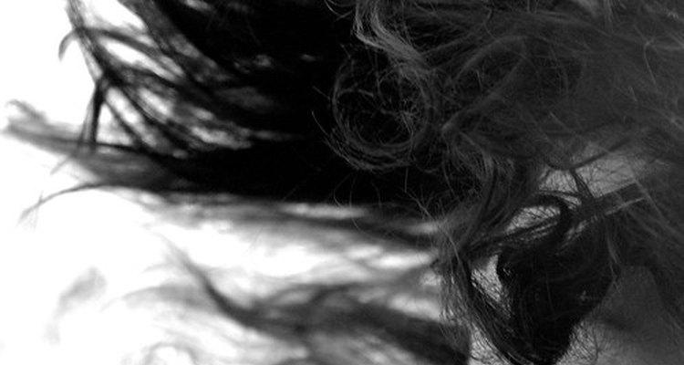 O estímulo do escalpo encoraja o crescimento capilar