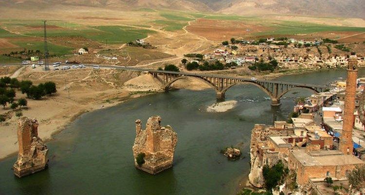 Restos de un puente otomano en Turquía, sitio de una masacre armenia.