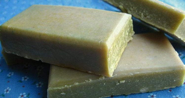 El jabón de glicerina puede usarse como shampoo.