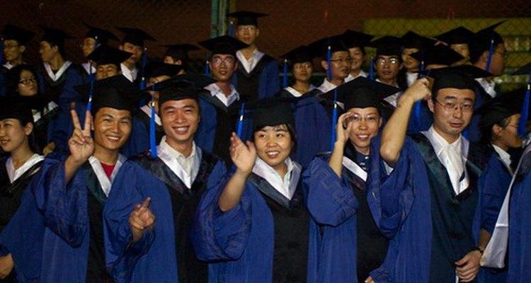 Algunas universidades ofrecen programas formales de grado.