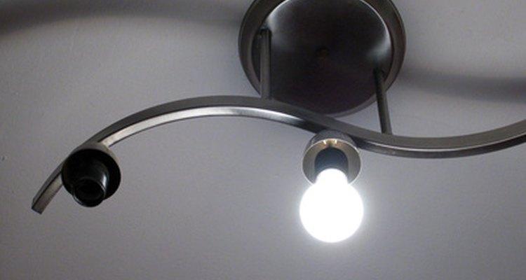 Essa lâmpada nova pode precisar de uma nova fiação para funcionar