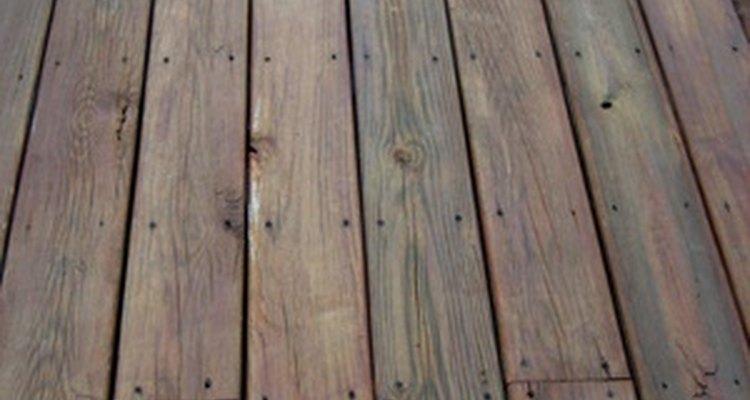 Las maderas tratadas de viejas construcciones a menudo se vuelven a utilizar para nuevas casas.