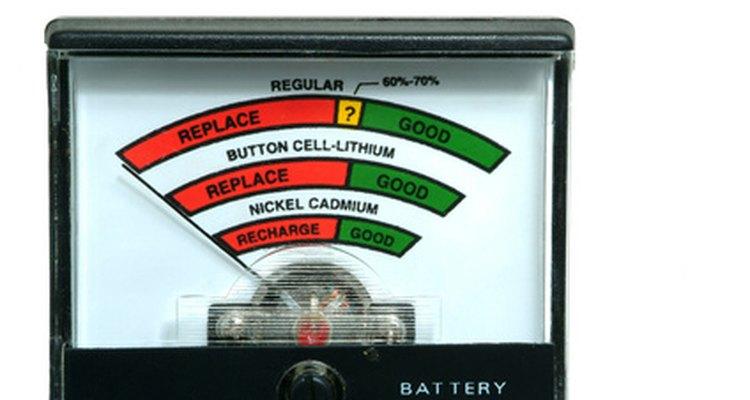Voltímetro com indicação da capacidade de uma bateria