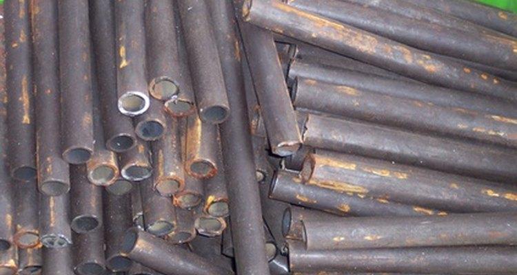 Canos de metal podem ser usados para fazer uma barra fixa eficiente
