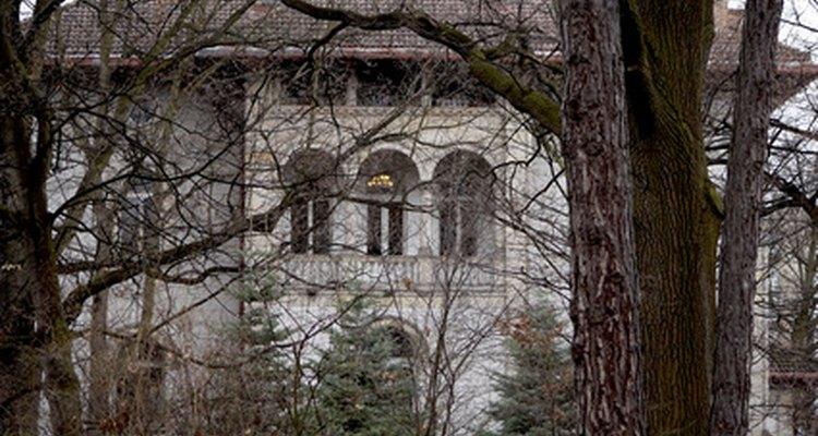 Los montacargas eran comunes en las grandes casas hace 100 años.