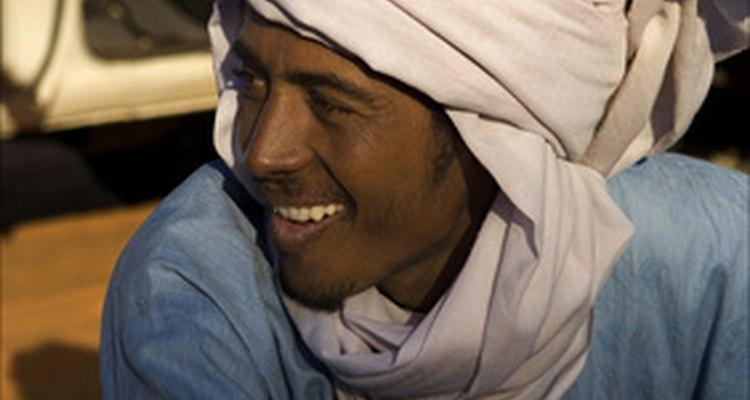 Alguns homens muçulmanos usam turbantes
