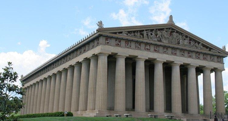 El Partenón tiene 87 columnas de orden dórico.