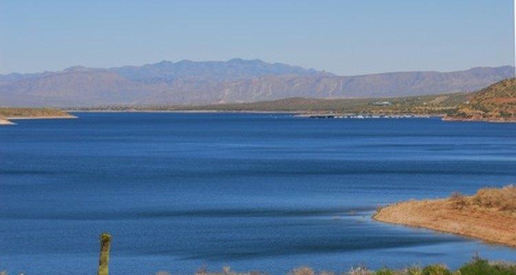 Los lagos y corrientes de agua dulce son susceptibles a la acidificación debido a la contaminación por nitrógeno.