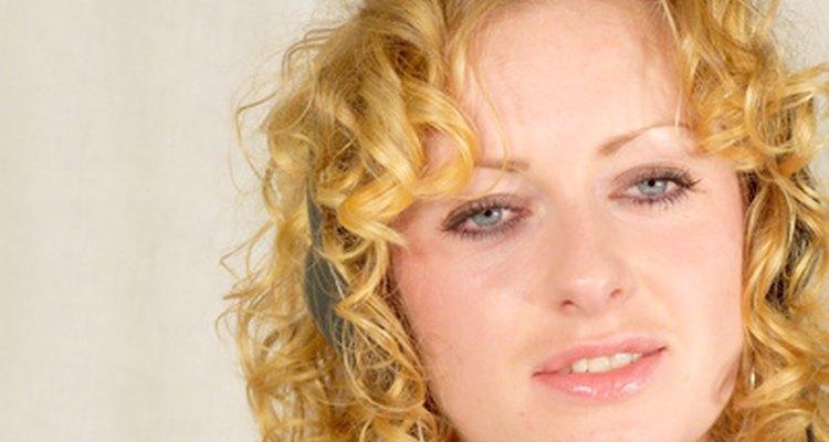 Da más luminosidad a tu cabello añadiendo unos reflejos más rubios.