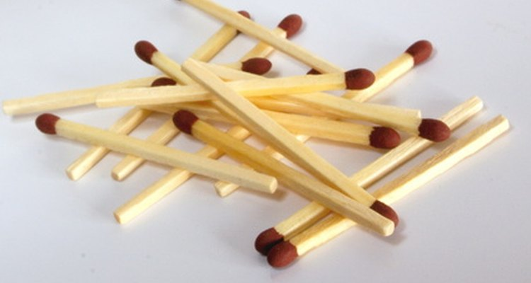 Los palillos de madera tienen diversos usos artesanales.