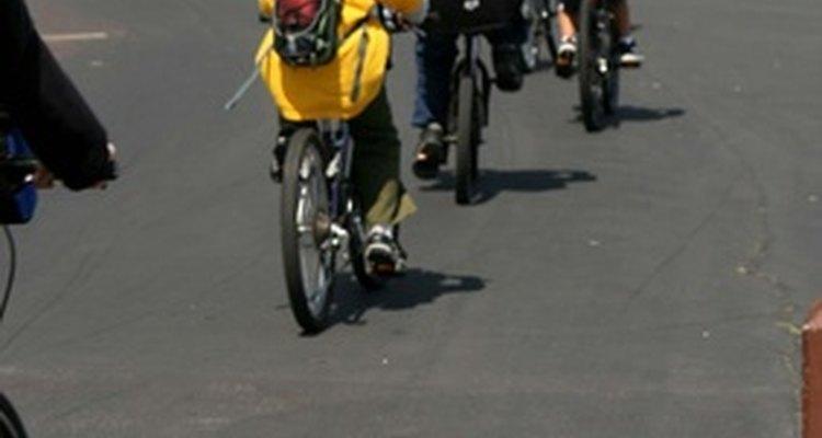 Aumente o seu conforto enquanto anda de bicicleta fazendo sua própria bermuda com enchimento