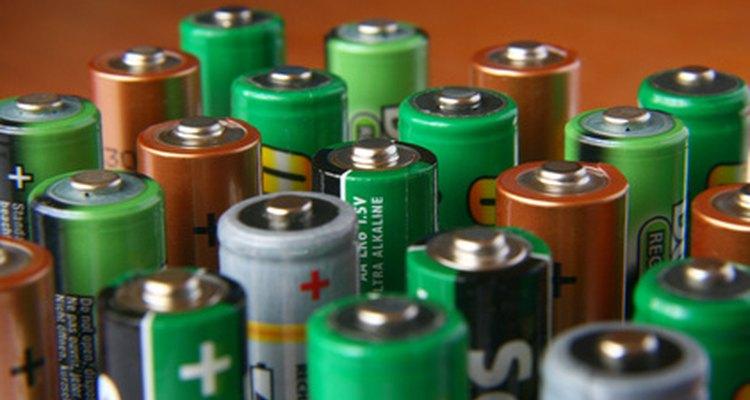Las baterías se usan para hacer que los dispositivos electrónicos sean portátiles.