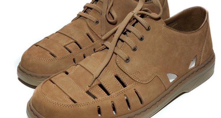Escureça seu calçado para deixá-lo mais bonito
