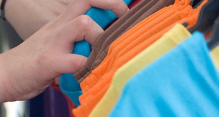 Las camisetas de segunda mano son económicas y dan el mensaje de que te preocupas por el medio ambiente.
