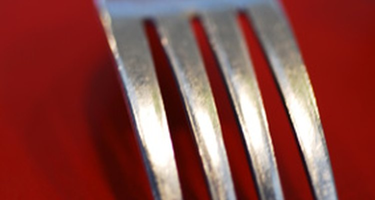 Rust spots on utensils are not particularly dangerous.