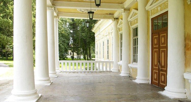 Colunas de PVC podem ser decorativas e resistentes