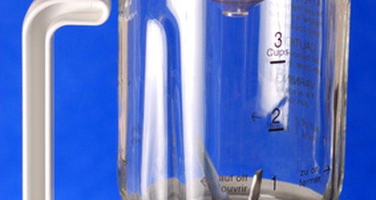 La mayoría de los mezcladores tienen cuatro cuchillas de doble cara para afilar.