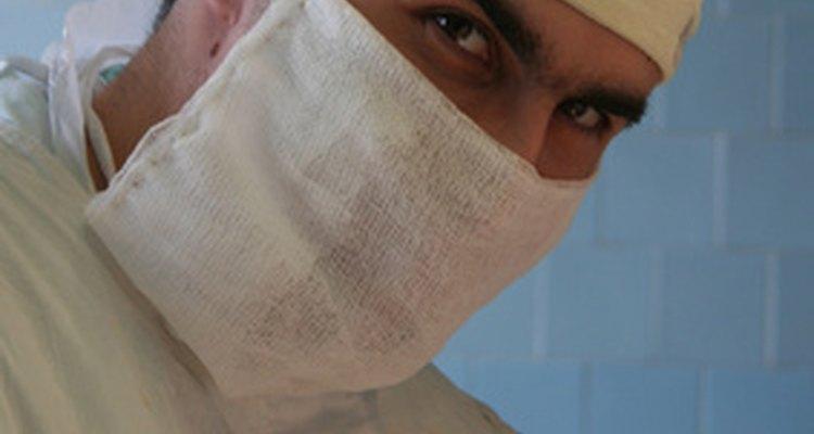 Los cirujanos generalmente trabajan más de 50 horas por semana.