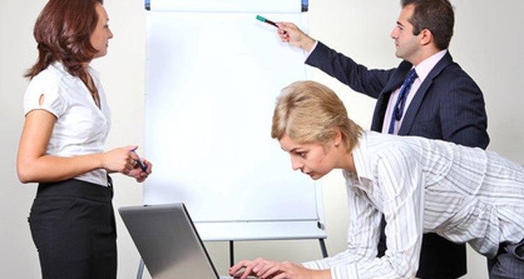 El comportamiento ciudadano organizacional beneficia a los empleados y a la compañía.